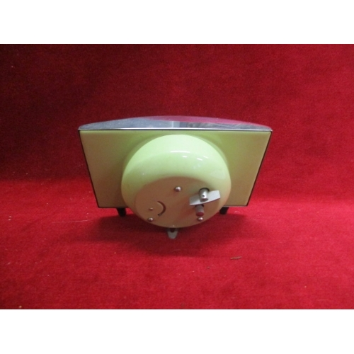 23 - RETRO GREEN CLOCK...