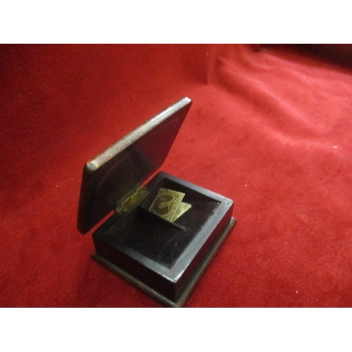 10 - VICTORIAN DESK STAMP BOX WITH 2 SHILLING STAMPS...