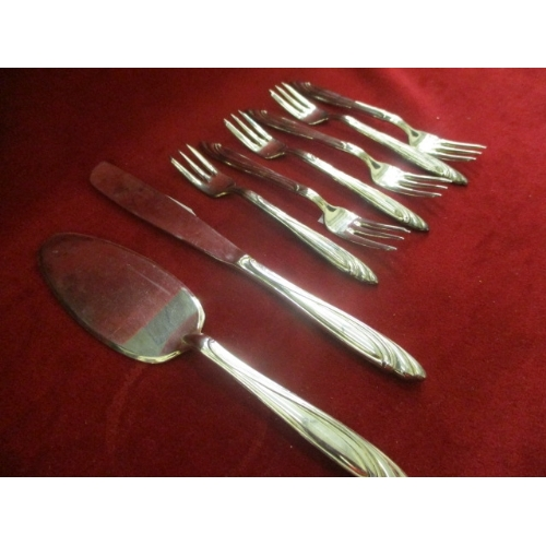 18 - 800 SILVER CUTLERY AND A CAKE SLICE...
