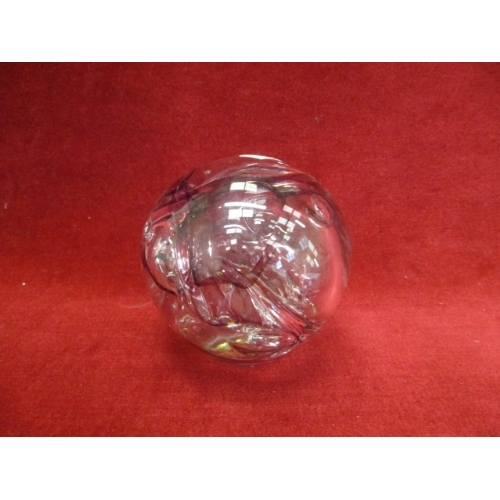 9C - LARGE GLASS PAPERWEIGHT IN LILACS, SIGNED IAN 1620...