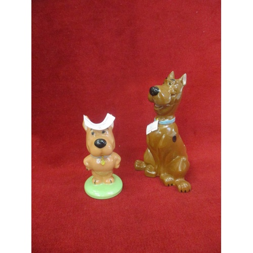 2 - SCOOBY DOO AND SCRAPPY DOO WADE COLLECTIBLES...