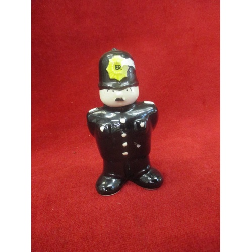 5 - PC PLOD WADE COLLECTIBLE CERAMIC...