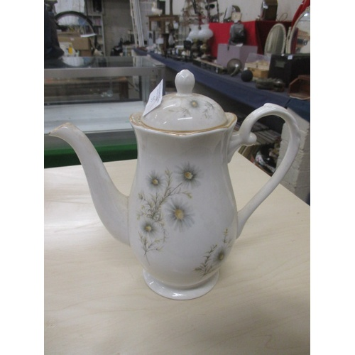 55 - DAISY PATTERNED TEAPOT BY ROYAL GRAFTON...