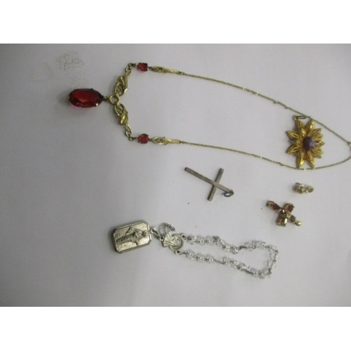 20 - SELECTION  OF VINTAGE JEWELLERY...