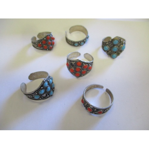 29 - COLLECTION OF 6 SILVER RINGS WITH STONES...