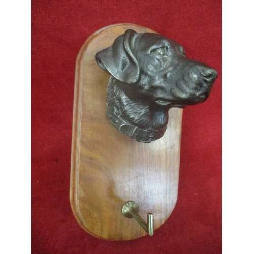 36 - DOGS HEAD WALL MOUNTED HOOK 24CM
