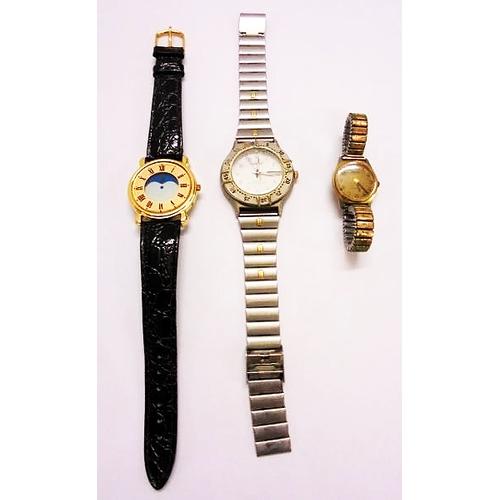 403 - Gents Smart Quartz Wristwatch, day/date, water resist, Gents Wristwatch with gilt chapter ring, Arab...