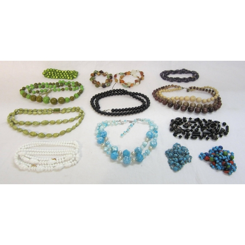 433 - Beaded Necklaces incl. blue/green etc....