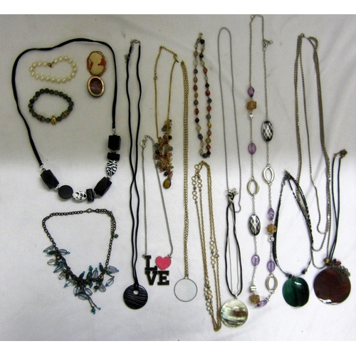 428 - Costume Jewellery Beaded Necklaces, chains, etc....