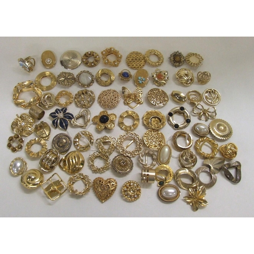 438 - Scarf Clips/Scarf Ties mainly gold tone...