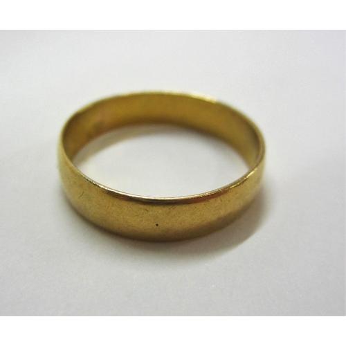 401 - 22ct Wedding Band, size O...