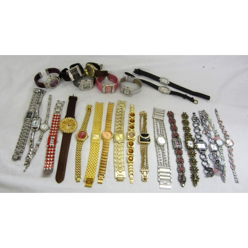 420 - Ladies Wristwatches: Faux Rolex, Citron, Time Design, Eternity, Starlett & Etienne, Ladies, Jessica,...