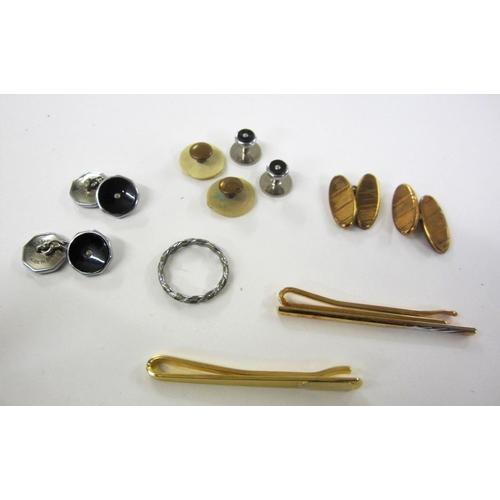 406 - Set of Gents Dress Cufflinks & Collar Pins, gilt cufflinks, tie slide etc....