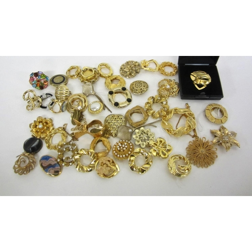 428 - Scarf Clips & Scarf Rings, floral, coloured, gold tone, silver tone, etc....