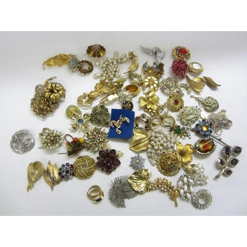 453 - Vintage/Vintage Style Brooches, paste set, leaves, floral, etc....