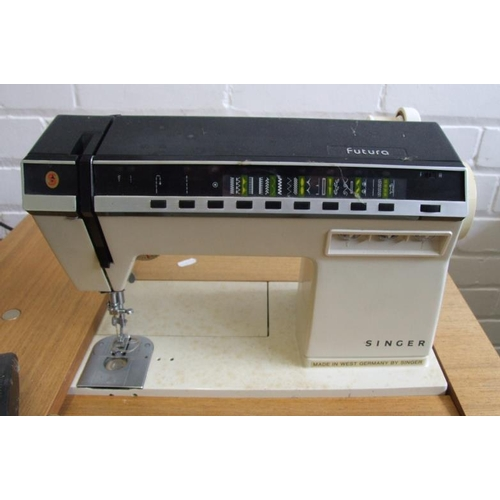31 - Singer Futura 1000 Sewing Machine & Work Table (A1)...