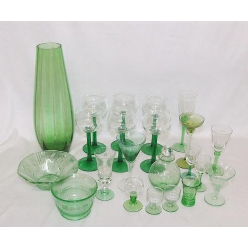 995 - Glassware incl. green stemmed hock glasses, cocktail glasses, small decanter, glass bowls, blue glas...