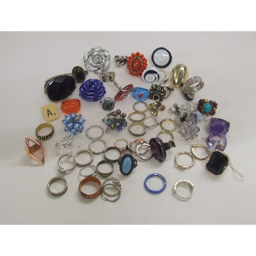 537 - Costume Jewellery Rings...