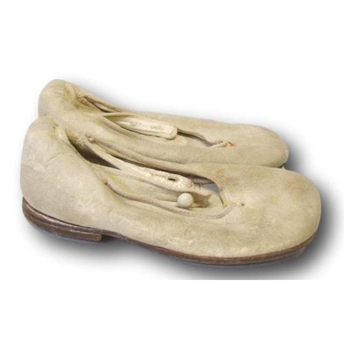 721 - Pair Vintage Babies Shoes size 3...