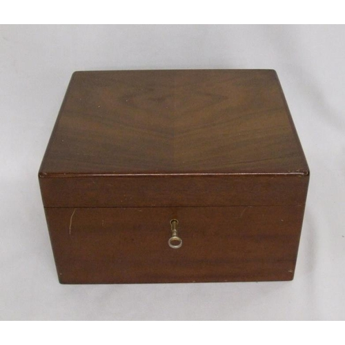 666 - Dunhill Mahogany Humidor with Cuban cigars incl. 3 Monte Cristo, 9 Romeo Y Juliet, 2 Bolivar, H Upma...