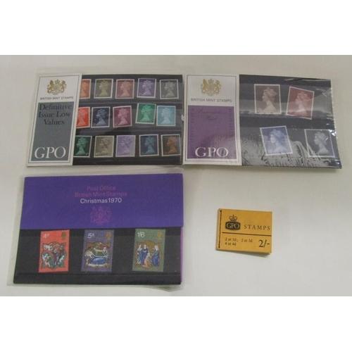 746 - Stamps: 3 Presentation Pack & Booklet GB...