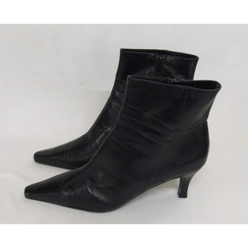 1149 - Pair Ladies Jasper Conran Black Leather Ankle Boots, size 8...