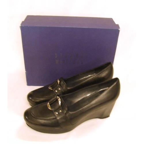 1150 - Pair Ladies As New Stuart Weitzmann Black Leather Shoes, size 41, in box...