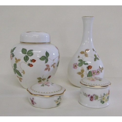 637A - Wedgwood Wild Strawberry Ginger Jar & Cover & Bottle Vase & 2 Mirabelle Trinket Pots & Covers (4)...