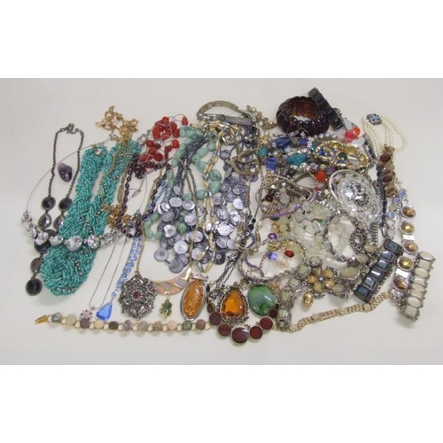 487 - Costume Jewellery incl. bangles, bracelets, necklaces, rings etc....