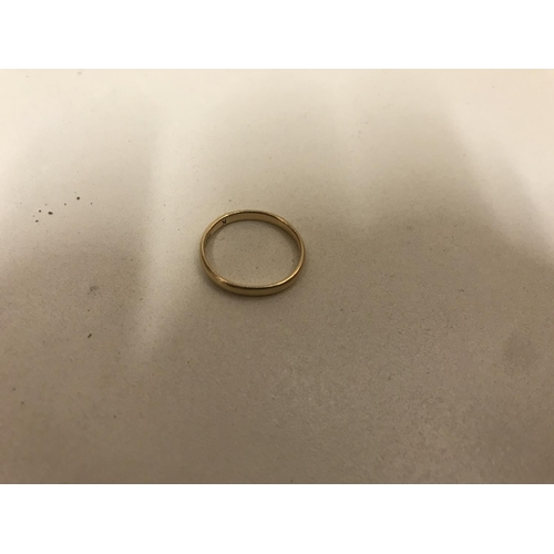 29 - 18ct gold band ring, 1.96g...