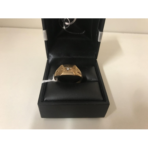30 - 9ct gold gents ring, 4.4g (mis-shape)...