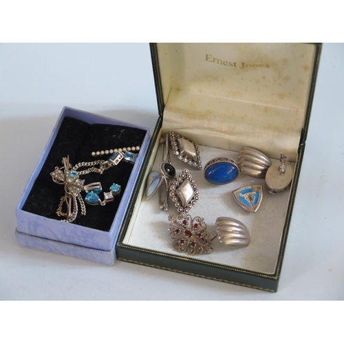 118 - Two 9ct Gold Brooches 4.5g and silver jewellery etc...