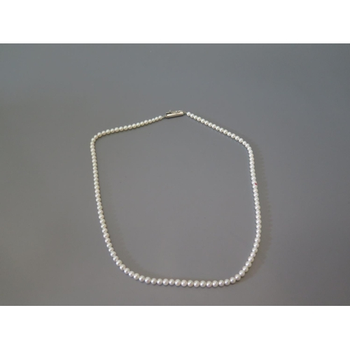 194 - A Pearl Necklace, 10.3g...