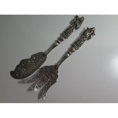 42a - A Pair of Indo Chinese Silver Fish Servers, marked MT900, 223g...