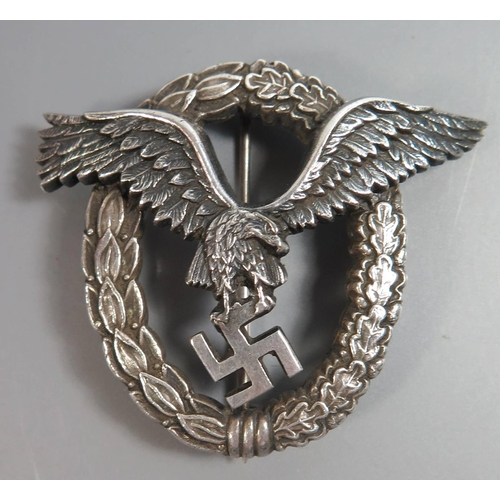 255 - A German WWII Luftwaffe Pilot's Badge...