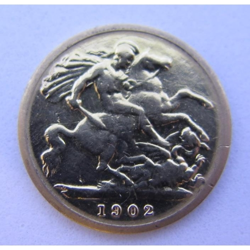 39 - A 1902 Gold Half Sovereign...
