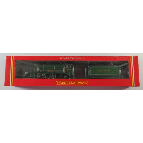6 - A OO-Gauge Hornby R583 SR 4-4-0 Loco Schools Class 'Shrewsbury', boxed and appears unused...