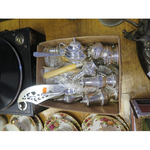 10b - Selection Of Plated Flat Ware & Mixed Cruet Items...