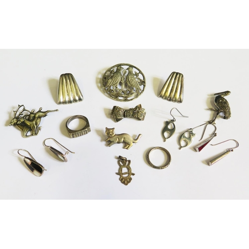 40 - A Selection of Silver Jewellery 71.9g