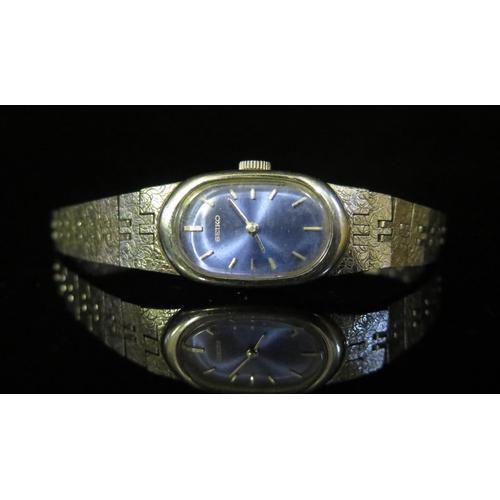 387 - A Ladies SEIKO Manual Wristwatch, running...