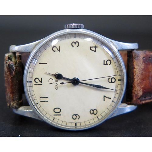 413 - A 1944 Omega WWII Period Gent's Wristwatch, widely used by Spitfire and Hurricane pilots. 10521523 (...