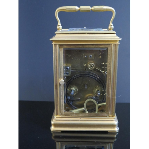 1261b - A 19th Century Brass Repeating Carriage Clock, 17cm, running