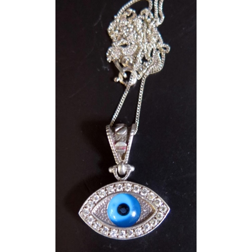 15 - A Silver and Glass Eye Pendant Necklace, 7g...
