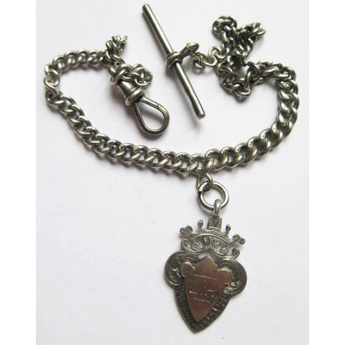 368 - A Silver Albert with T-bar and fob, 32g...