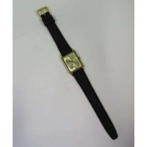 379 - A Gent's TIMEX Mechanical wristwatch, running...
