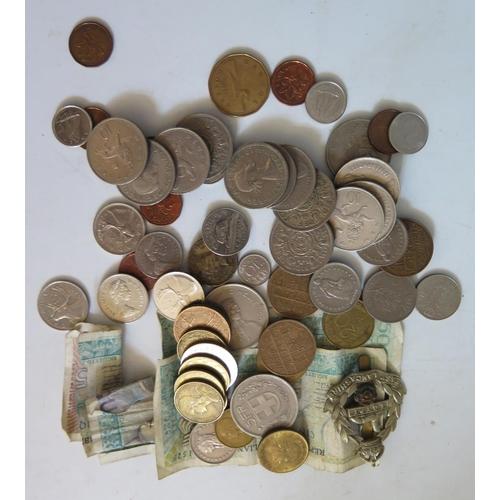 457 - A Tin of World Coins, 440g
