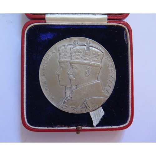 480 - A Silver George V & Queen Mary Silver Jubilee Cased Medallion