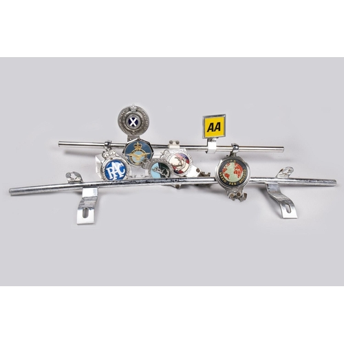 18 - COLLECTION OF VEHICLE BADGES AND MOUNTING BARS...