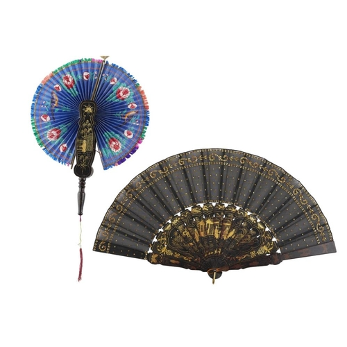 38 - PAINTED COCKADE FAN<br><br>QING DYNASTY, 19TH CENTURY <br><br>the fan leaf painted with birds and bu...