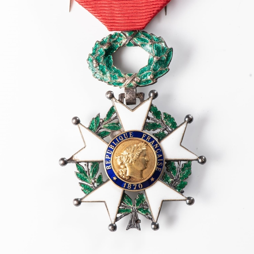17 - FRENCH LEGION OF HONOUR. CHEVALIER (KNIGHT) GRADE DECORATION TheLegion of Honour is the highest Fr...